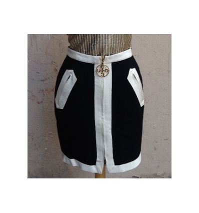 http://www.rosemarketvintage.com/5577-thickbox_default/jupe-moschino-chic-taille-3436.jpg